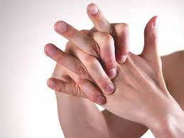itchy bumps on hands that spread itchy fingers causes treatment and prevention