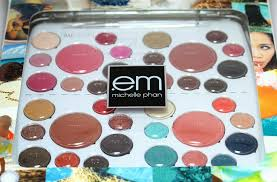 Em Makeup the raeviewer a about luxury and high end cosmetics em