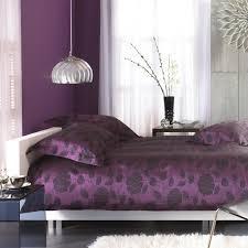 chambre grise et violette couleur aubergine et à quoi l associer dans chaque pièce
