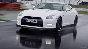 nissan gtr hd wallpaper 2013 nissan gt r track pack uk front hd wallpaper 1 1920x1080