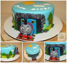 thomas train cake cake by cakecakecake cakesdecor