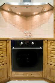 installer une hotte de cuisine hotte d angle prix et avantages ooreka