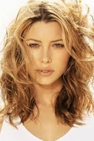 collarbone length wavy hair shoulder length wavy hairstyles mid length hair styles medium