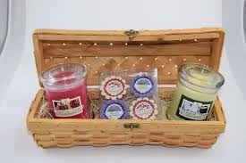in gift soy candle gift basket ideas for women and men