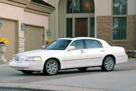 2004 lincoln town car overview cars