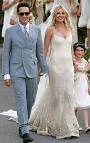 The Vintage Wedding Dress Company Archives The Natural Wedding Kate Moss Wedding Dress Kate Moss Wedding Style Supermodel