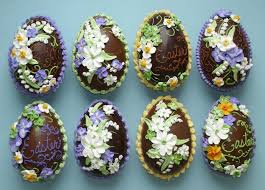 Decorating Easter Eggs With Icing by Beautifully Decorated Chocolate Easter Eggs From Wendy Kromer