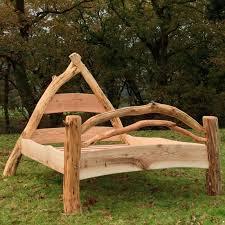 cruck frame bed
