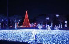 pyramid hill christmas lights holiday lights on the hill north cincinnati christmas pyramid