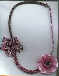 flower bead necklace images Sculptural beaded flowers by lynn smythe the creative cottage jpg