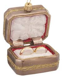 engagement ring box ornament 2 ifec ci