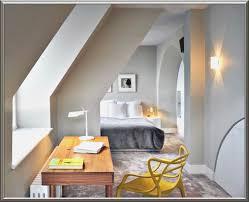 schlafzimmer mit dachschrã ge gestalten schlafzimmer mit dachschrã ge farblich gestalten 100 images