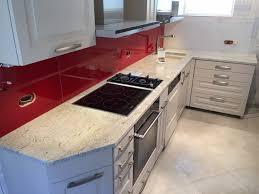 plan cuisine granit plan travail cuisine granit cuisine cuisine avec plan de travail en