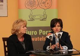 """Justyna Tylman Anna Magryta-Urban, prezes stowarzyszenia """"Aperto"""", i Sabina Lutomska, dziekan Okręgowej Izby Radców Prawnych, zapewniły, że pomoc w Biurze ... - 198425_ko45s08_przemoc_34"""