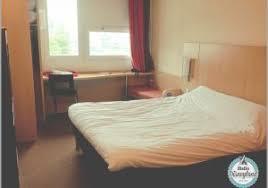 louer une chambre de bonne louer chambre de bonne 353031 chambre décoration