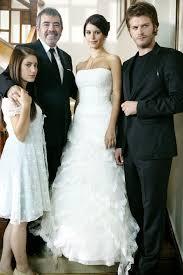 wedding dress cast 113 best que culpa tiene fatmagul images on turkish