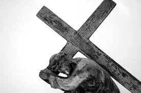 30 awe inspiring pictures of jesus on the cross creativefan