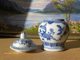 chinese vintage ginger jar vase blue and white in muirhouse