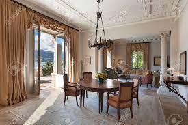 Wohnzimmer In English Kronleuchter Lizenzfreie Vektorgrafiken Kaufen 123rf