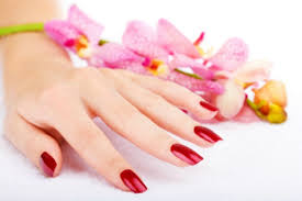 how to remove your shellac mani at home