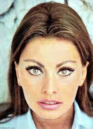 italian domme in hair curlers sophia loren with 1960s inspired makeup sophia loren pinterest