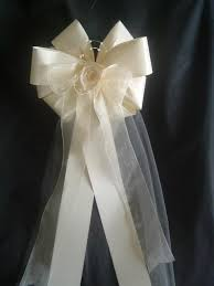 wedding bows decorating tips guide to wedding bows pew bows made easy