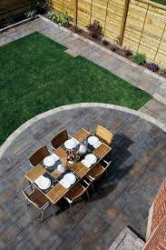 Pea Gravel Concrete Patio by Top 25 Best Concrete Backyard Ideas On Pinterest Concrete Deck