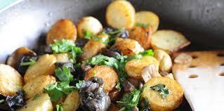 comment cuisiner des escargots fricassée d escargots en persillade facile recette sur cuisine