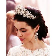 reign tv show hair beads 59 best reign images on pinterest fashion plates middle ages
