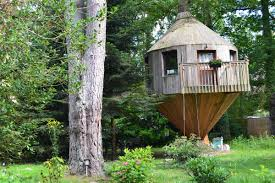 wc de jardin tree house arbonne la foret seine et marne location de tree