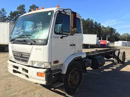 2004 ud 2000 rollback isuzu npr nrr truck parts busbee