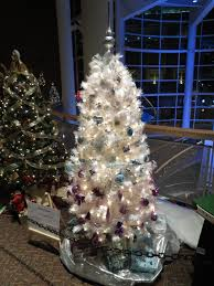 an ombre tree at the akron children u0027s hospital christmas tree