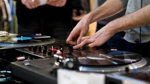 dj table for beginners 8 best dj turntables for beginners audio mentor guides