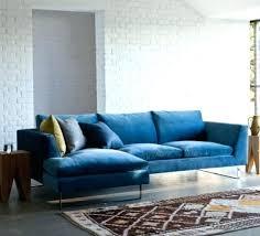 canapé velours bleu canape en velours la bleu nuit idées pour la maison