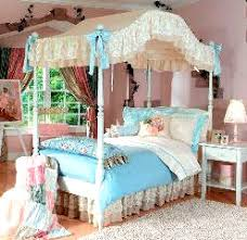 Vintage Canopy Bed Canopy Covered Bed For A Vintage Room Humble Abode