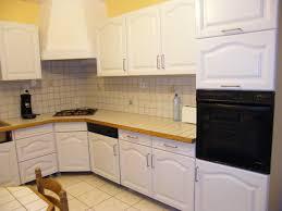 cuisine repeinte en gris rénover une cuisine comment repeindre une cuisine en chêne mes