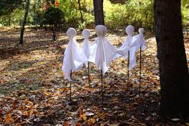 make a circle of ghosts for halloween diy network blog made