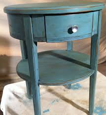 How To Make Furniture Look Rustic by Chalk Paint Vs Latex Paint On Furniture Painted Furniture Ideas