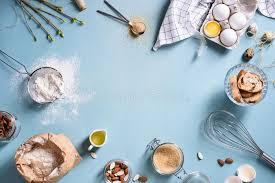 les articles de cuisine faisant cuire au four ou faisant cuire le cadre de fond ingrédients