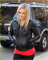 hilary duff engagement ring hilary duff wraps up filming photo 1810891 hilary duff pictures