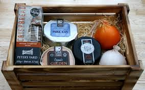 Cheese Gift British Cheese Gift Crate Selection Of Cheeses Crispbread