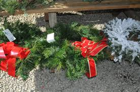 fresh cut christmas wreaths beavers christmas tree farm