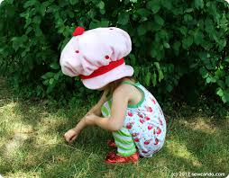 Strawberry Shortcake Halloween Costume Sew Vintage Inspired Crafts Lil Strawberry Shortcake Hat
