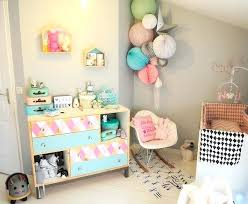 quand préparer la chambre de bébé arbre sur un mur gris de la chambre du bacbac la chambre de bebe