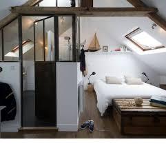 amenagement chambre comble amenagement combles chambre salle de bain idées de décoration