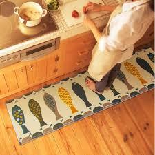 tapis de cuisine orange deco cuisine bleu jaune