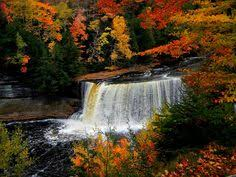 beautiful places michigan visit fall