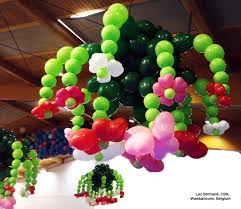 this flowery chandelier was made with quick link balloons by luc