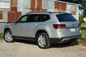 volkswagen atlas 2017 2018 vw atlas won u0027t be easy to find as a 4 cylinder