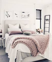 How To Spot Clean A Comforter Best 25 Cleaning White Sheets Ideas On Pinterest White Sheets